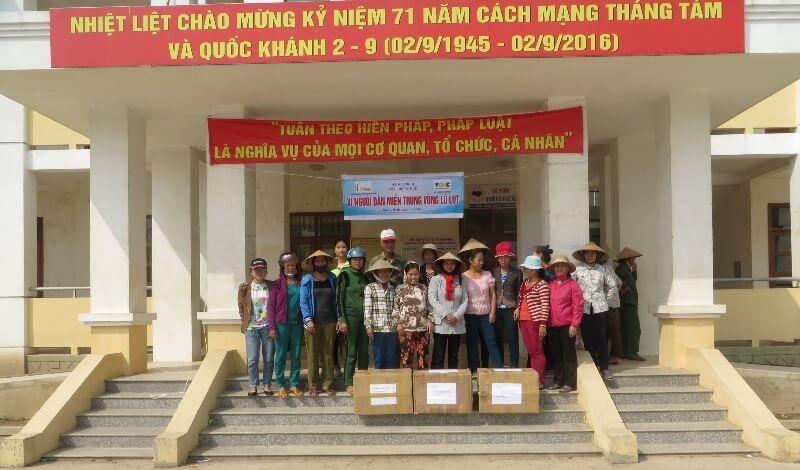 Ủng hộ 260 suất quà cho cộng đồng miền Trung bị lũ lụt tỉnh Quảng Bình