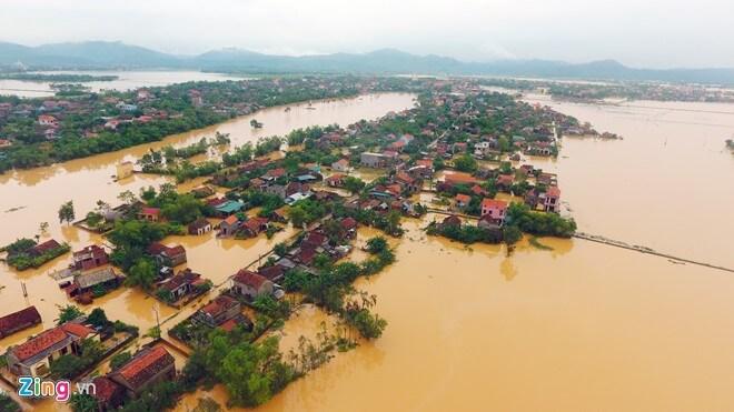 Ủng hộ người dân miền Trung vùng lũ lụt