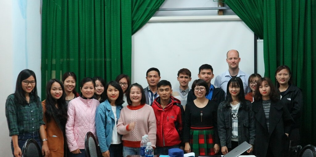 Share the reseach results with students of Geography – Geology Department