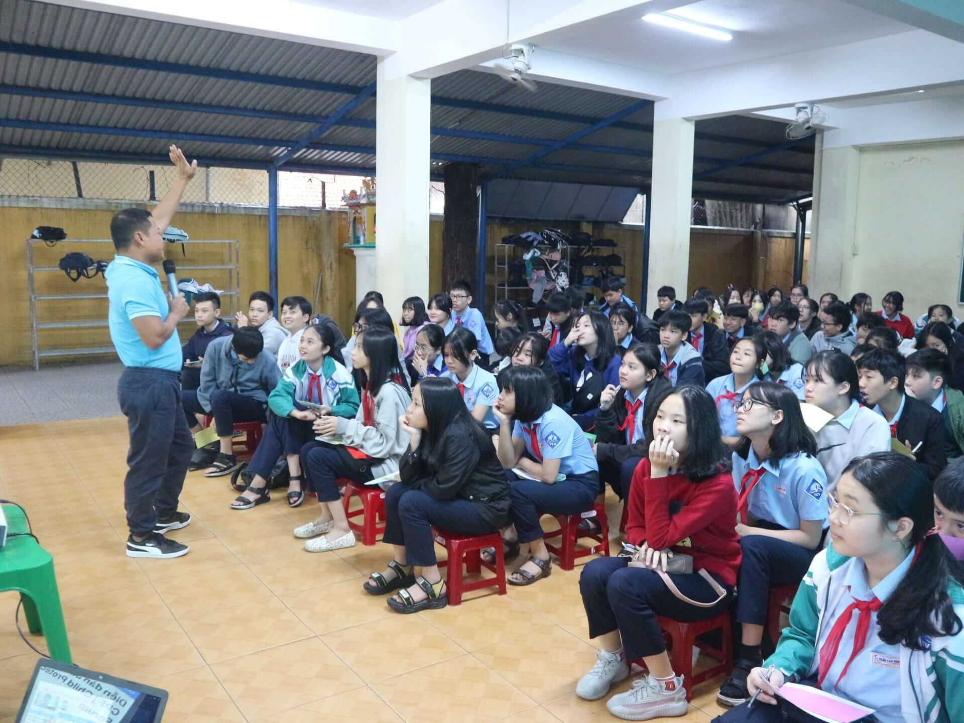625 học sinh ở 06 trường học đã tham gia tọa đàm về chủ đề Bạo lực tình dục tại tỉnh Thừa Thiên Huế